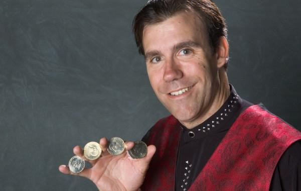 Coin Magic-Big Hands